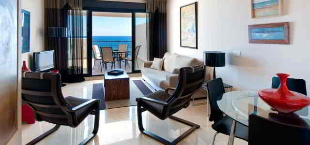 1 bedroom apartment, front sea view